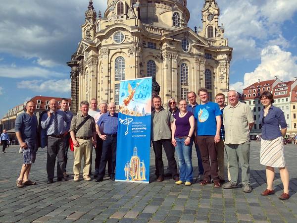 Einer der Stationen der Orts-Begehungs-Tour war auch der Neumarkt mit der Frauenkirche